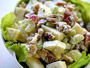 salat-s-seldereem-i-vinogradom